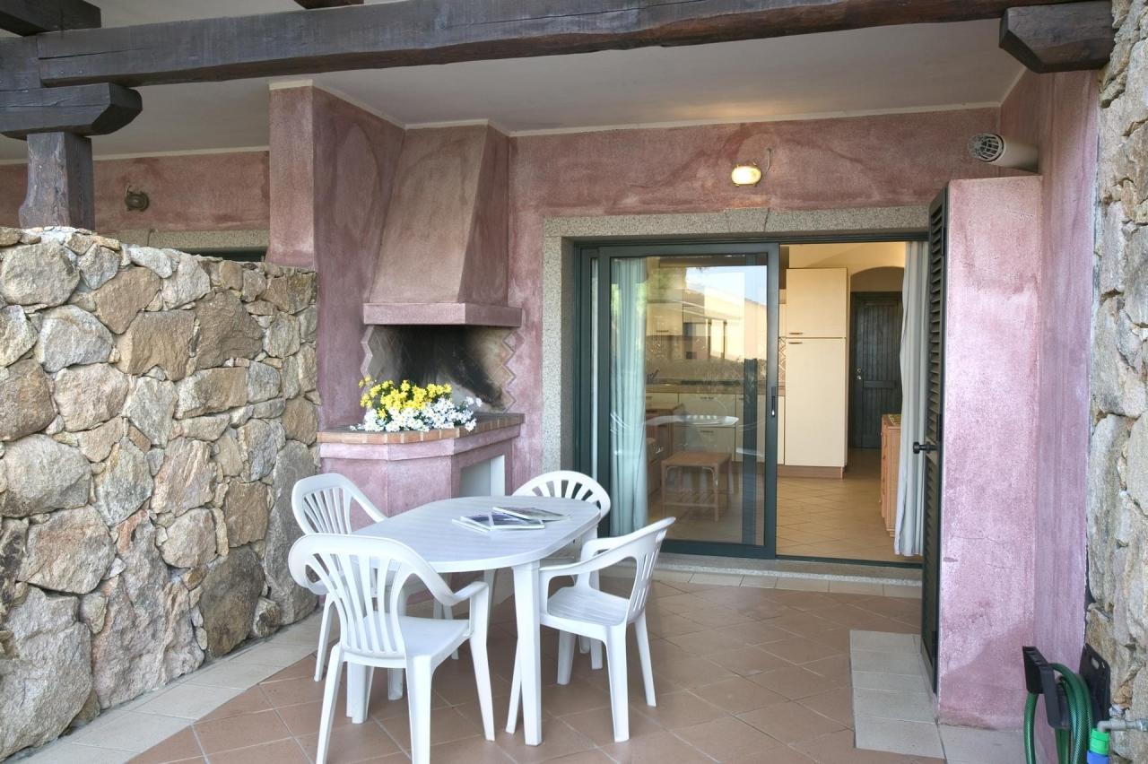 Appartamento in affitto in baia del faro sardegna for Piccoli piani cabina con soppalco e veranda