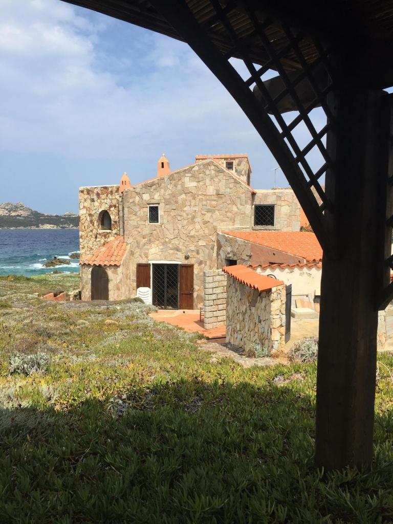 Villa in vendita in baia santa reparata villa lolla for Planimetrie della coperta